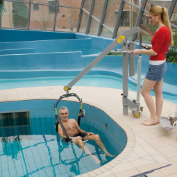 Sollevatori per disabili in piscina - Sollevatore piscina per disabili ...